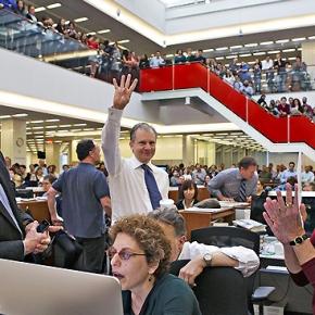 """Il New York Times taglia le redazioni. Chiude la sede di Parigi. A casa 70 giornalisti. """"Dobbiamo risparmiare"""""""