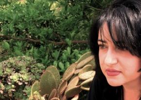 """Enza Dell'Acqua, la cronista calabrese accusata di """"killeraggio giornalistico"""". Raccolta di firme per chiedere al direttore di licenziarla. Ora non lasciamolasola"""