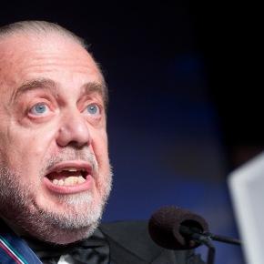 """De Laurentiis perde l'ennesima occasione per stare zitto: """"I giornalisti del Nord ci odiano"""". La Gazzetta: """"Penoso, illazioni senza senso"""". La ragionevolezza de IlNapolista"""