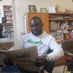 """La storia Ahmed Azebeok, cronista in Italia che arriva dalla Nigeria: """"Ora mi sento di nuovo un giornalista"""""""