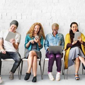 I Millennials italiani s'informano su Facebook, ma non credono alle notizie che leggono. I ragazzi tedeschisì