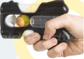 Pistola al peperoncino di Cayenna se compri Libero. Il colpo in canna provoca tosse, spasmi elacrimazione