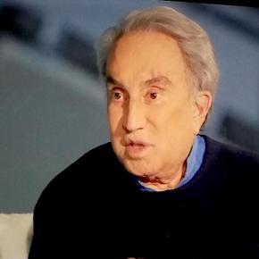 Torna in tv Emilio Fede, tutto ritoccato. Ha esagerato un filino,però