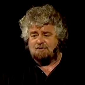 """Giornalisti odiati e sbeffeggiati, il rancore eterno del M5S. Quel giorno che Grillo disse nel 2017: """"Vi mangerei solo per il gusto di vomitarvi"""""""