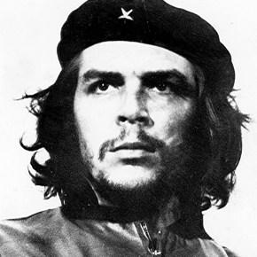 """Hasta siempre, Comandante DiBa: """"Pensate davvero che al dottor Elkann interessi la libertà d'informazione?"""""""