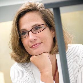 """Sipario sul Circo Barnum dei virologi televisivi. Confessa Ilaria Capua: """"Non ho più un laboratorio dal2012"""""""