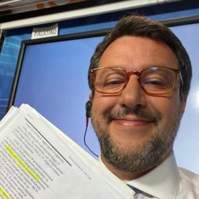 Un giorno Salvini farà la cacca in televisione e noi non cistupiremo