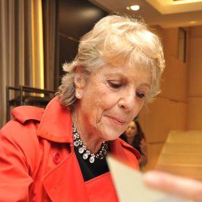 La spassosa intervista alla signora Camerana è il frutto della leggerezza del giornalismo nell'era deisocial